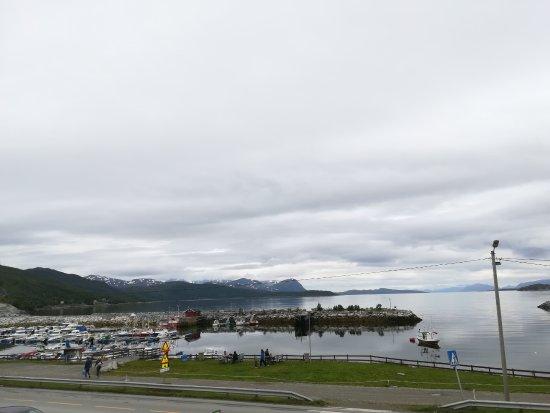 Sorkjosen, Noruega: Vista dalla terrazza del ristorante.