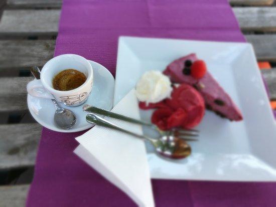 Celadna, Czech Republic: Výborná káva a deserty