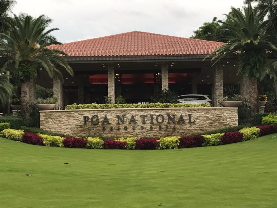 PGA National Resort & Spa: The front door!