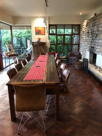 Lezard Bleu: breakfast room with fireplace