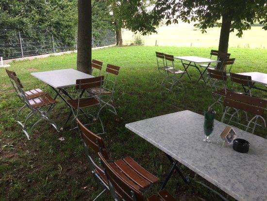 แดซิง, เยอรมนี: Shady Biergarten
