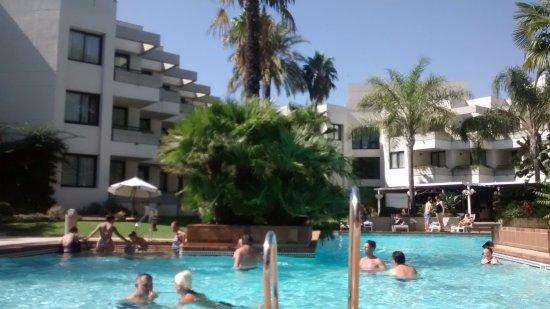 jardin piscina bild von hipotels sherry park jerez de