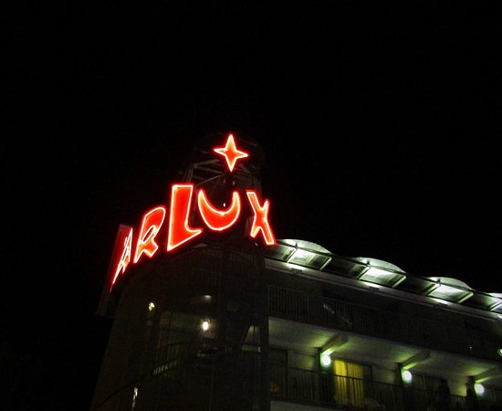 The StarLux Hotel & Suites: Starlux