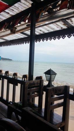 New Hut Bungalows: Vue sur mer