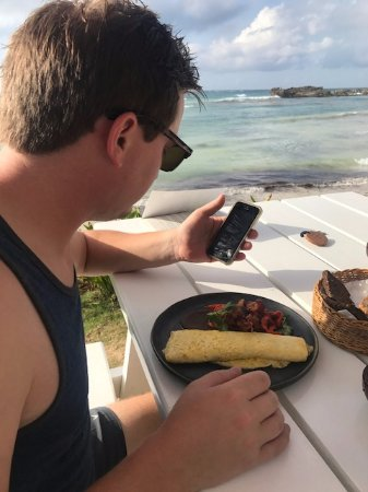 El Pez Colibri Boutique Hotel: Breakfast - El Pez Omelette