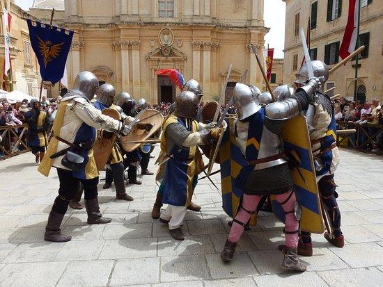Pembroke, Malta: La bataille des chevaliers