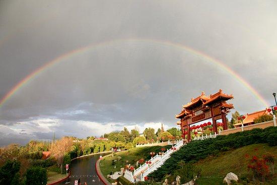 Hacienda Heights, CA: Rainbow at Hsi Lai Temple