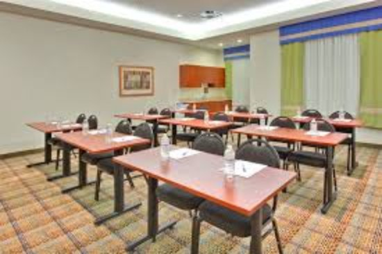 Holiday Inn Express Hotel & Suites Edmonton South: Meeting room