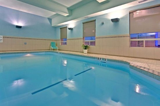 Holiday Inn Express Hotel & Suites Edmonton South: Pool