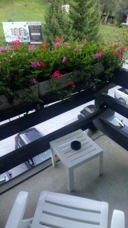 Grimentz, Svizzera: Petit balcon fleuri.