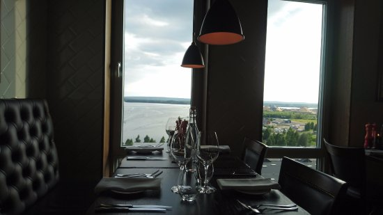Piteå, Sverige: Table and view at Tage restaurant at Kust