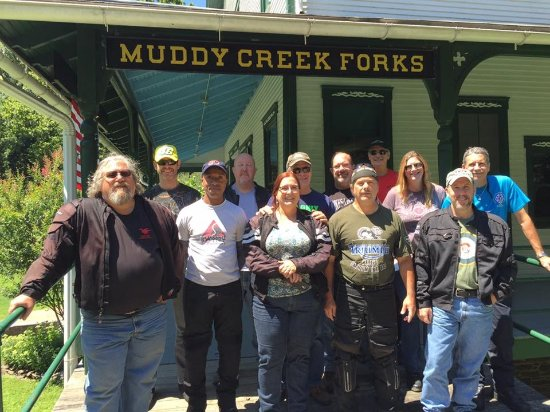 Airville, Pensilvanya: The Baltimore RAT Pack visiting Muddy Creek Forks