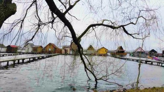 Bokod, Ungarn: The eerie, picturesque village on the lake