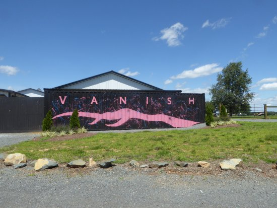 Leesburg, VA: Sign/Mural