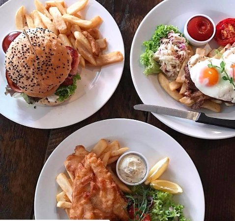 Crowded House Bar & Cafe: Dinner