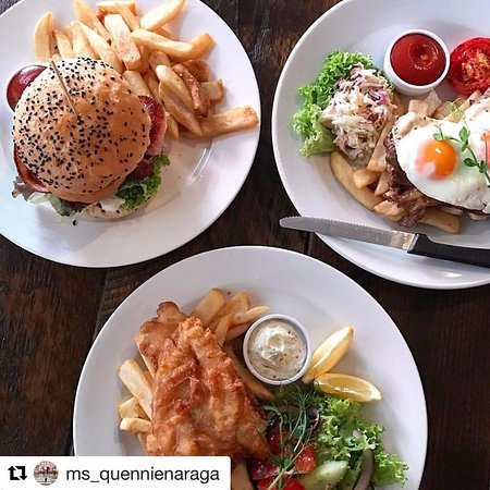 Crowded House Bar & Cafe: Lunchtime