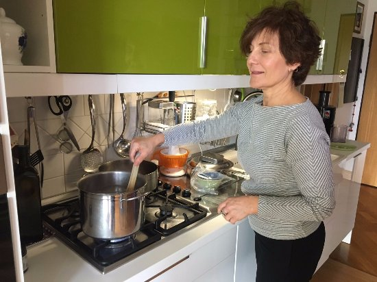 Learn To Cook Regional Italian Cuisine With A Local In A Rural Estate Home