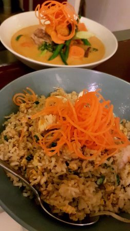 Palmwoods, Australia: Fried Rice and Red Duck curry