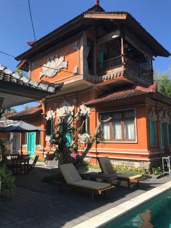 Sunhouse Guest House: Sunhouse