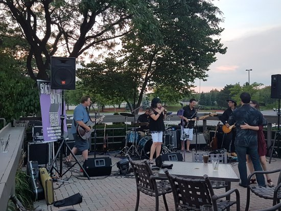 20170809 203842 picture of chuck muer 39 s big for Big fish dearborn
