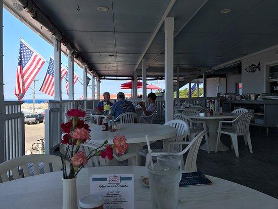 Finn's Seafood Restaurant : photo2.jpg