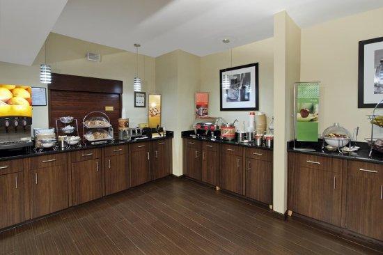 Madison, GA: Breakfast Serving Area