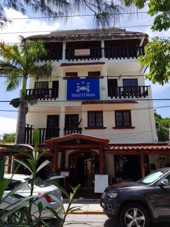 Hotel el Moro:  Front Fachade