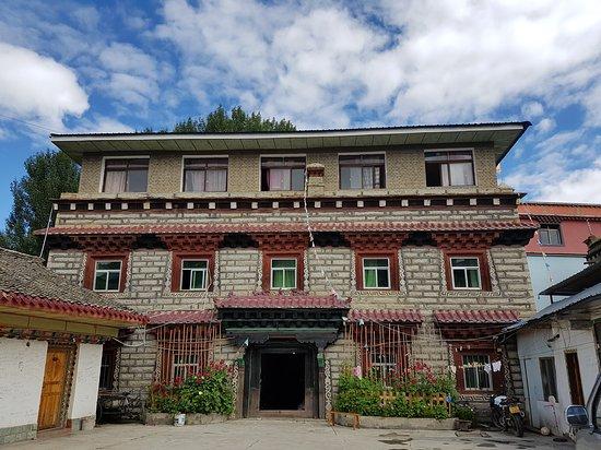 Daocheng Drolma's Guest House: 20170805_101133_large.jpg