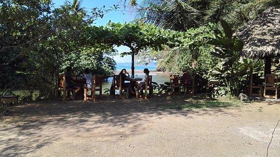 Drakes Kitchen, Casa El Tortugo: Restaurante en verano..las mesas afuera. Our restaurant during the sunny season, our tables outs
