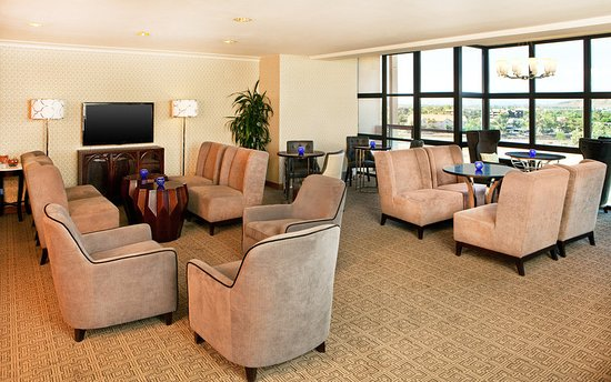 Sheraton Crescent Hotel: Club Lounge