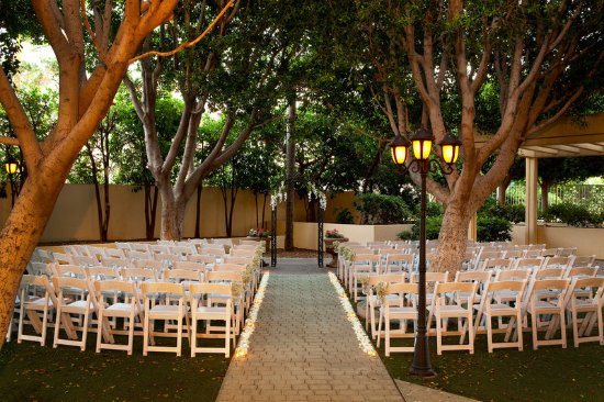 Sheraton Crescent Hotel: Phoenix Garden - Wedding Ceremony