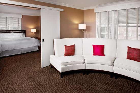 Morristown, NJ: Presidential Suite - Living Room and Bedroom
