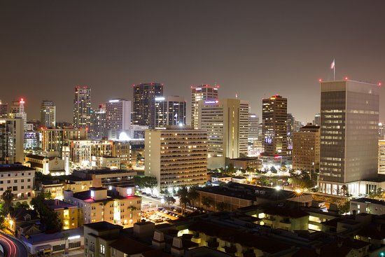 Doubletree Hotel San Diego Downtown: awesome view of downtown at night!