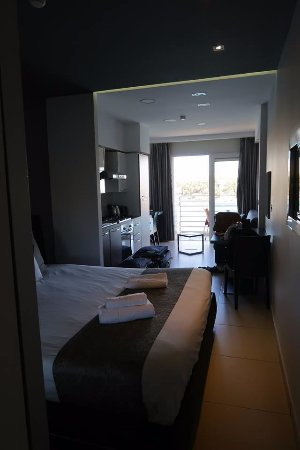 Pebbles aparthotel sliema malta omd men och for Appart hotel 63