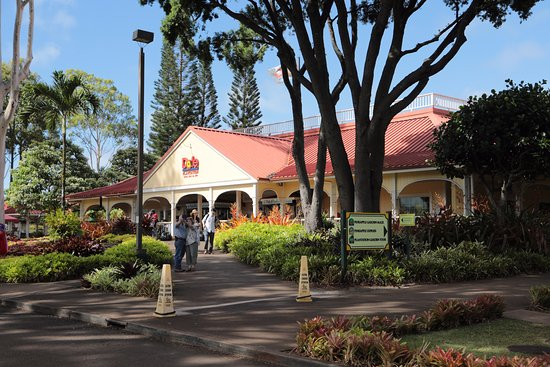 Wahiawa, HI: MAIN BUILDING AND SHOPS