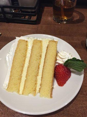 Showboat Branson Belle: Lemon mousse cake