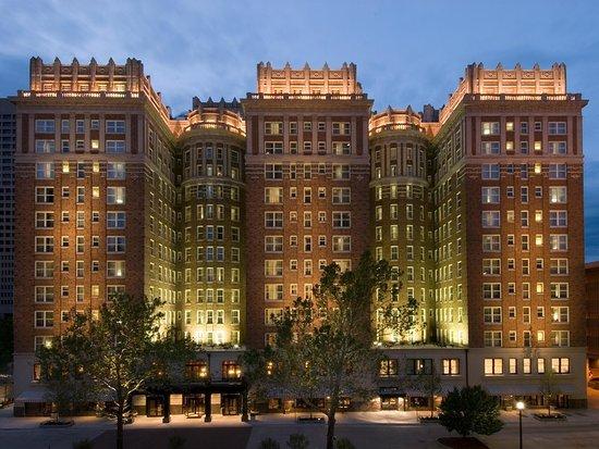 The Skirvin Hilton Oklahoma City: Hotel Exterior - Night
