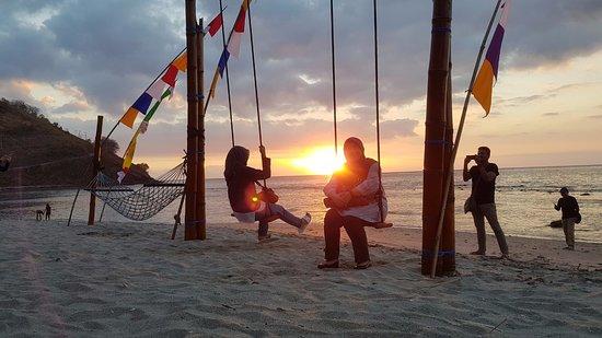 Pemenang, Indonésie : sunset view