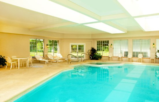 Frazer, PA: Pool