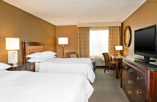 Frazer, PA: Double Queen Guestroom