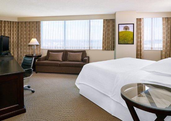 Beltsville, MD: King Corner Suite