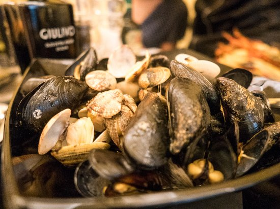 La Bussola: Mussels and Clams