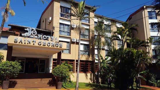 Hotel Saint George: Entrada