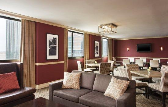 Clayton, MO: Sheraton Club Lounge