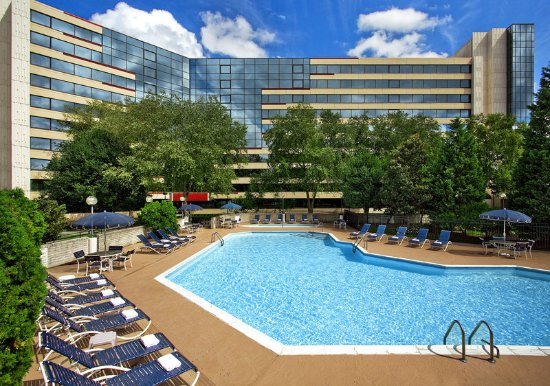 Sheraton Imperial Hotel Raleigh-Durham Airport at Research Triangle Park: Pool