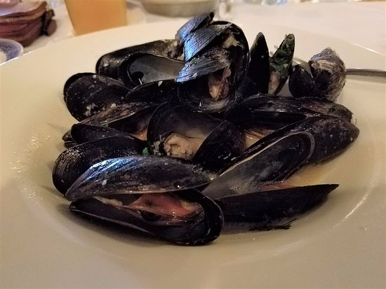 Massena, NY: Mussels in a wonderful, garlicky broth.