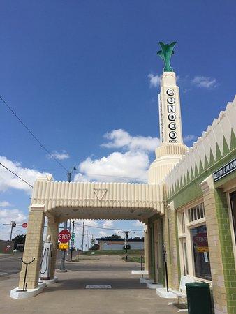 Shamrock, TX: Exterior
