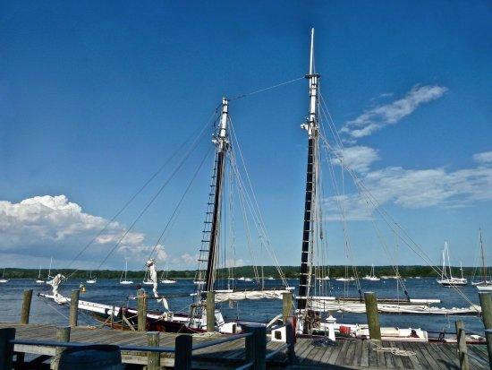 Essex, CT: Outdoor vessels