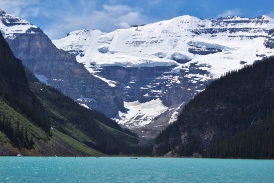 Lake Agnes: Lake Louise, the start of the hike!