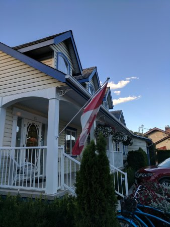 Savona, Canada: The Main House